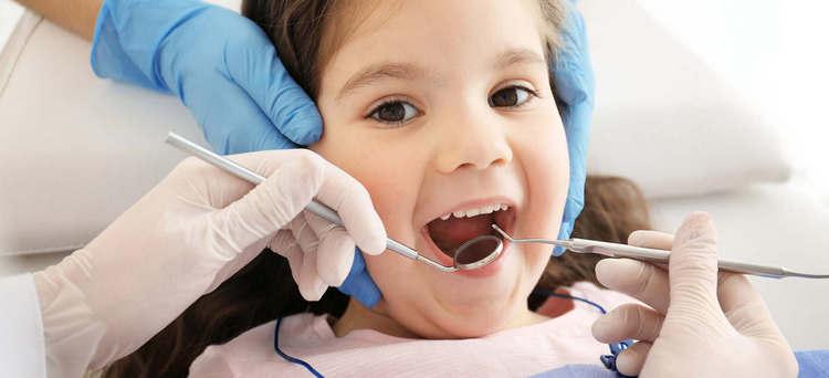 Как вылечить зубы ребенку